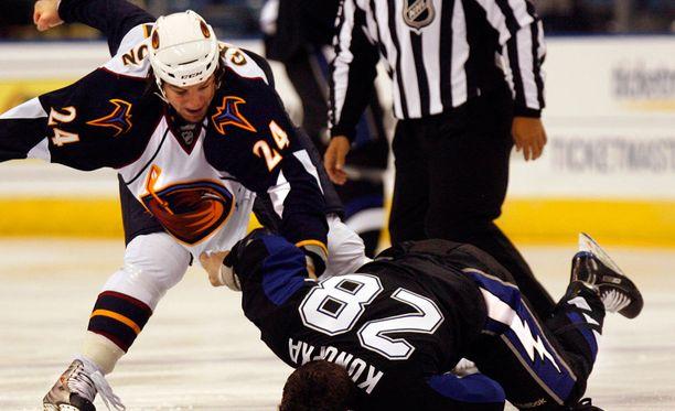Josh Gratton on kerännyt uransa aikana yli 2500 jäähyminuuttia.