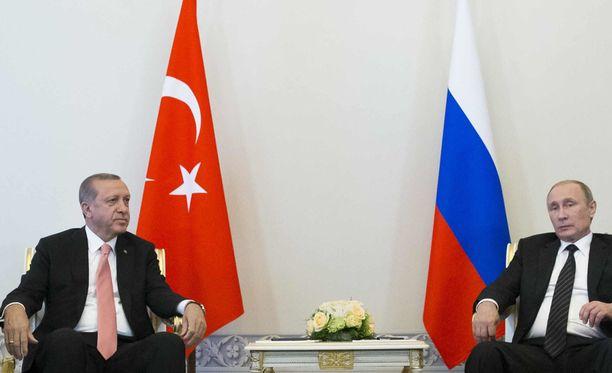 Erdogan ja Putin puhuvat lisää Aleppon tilanteesta tänään. Arkistokuva.