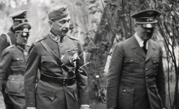 Adolf Hitlerin kerrotaan arvostaneen Mannerheimiä. Natsi-Saksan johtaja vieraili myös Suomessa II maailmansodan aikana.