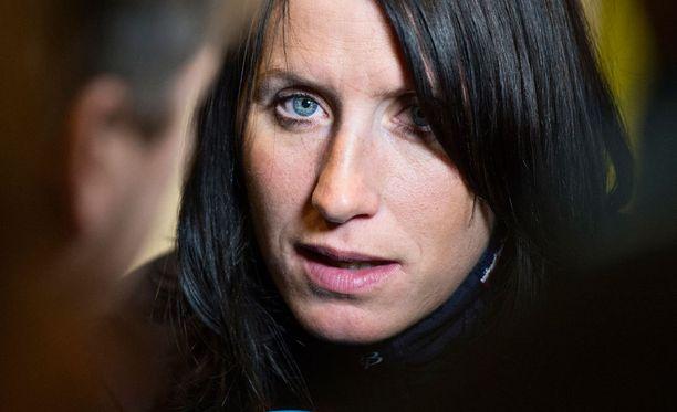"""Moninkertaisen olympiavoittaja Marit Bjørgenin hauiksesta nousi pari vuotta sitten iso kohu. Hiihtäjä itse kuittasi asian sanomalla: """"Siihen on tarvittu lukuisia tunteja. En ole saanut sitä ilmaiseksi."""""""