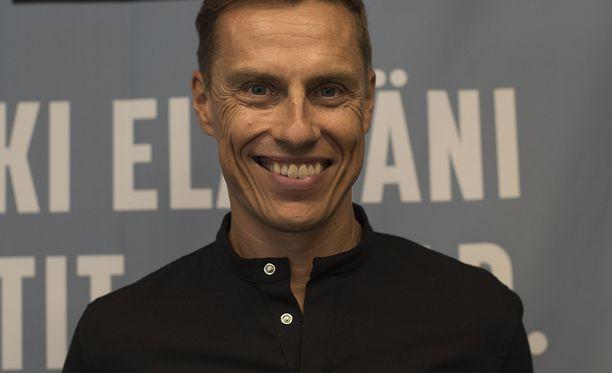 Alexander Stubb kertoi Iltalehden haastattelussa halunneensa kertoa elämäkerrassaan avoimesti omista tunteistaan.