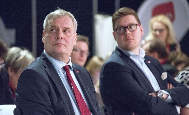 Ratkaisevassa asemassa oleva SDP saattaa hyväksyä tiedustelulakipaketin käsittelyn kiireellisessä järjestyksessä.