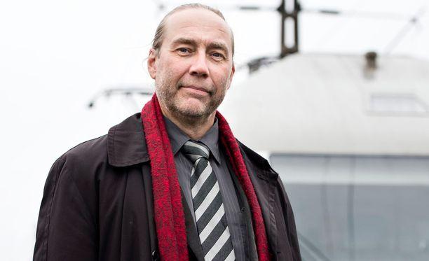James Hirvisaari pyrki eduskuntaan Muutos 2011 -puolueen listoilta.