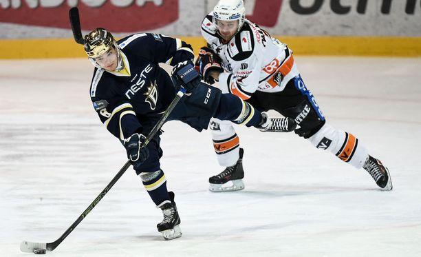 Otso Rantakari tehoili jälleen Bluesin voitossa.
