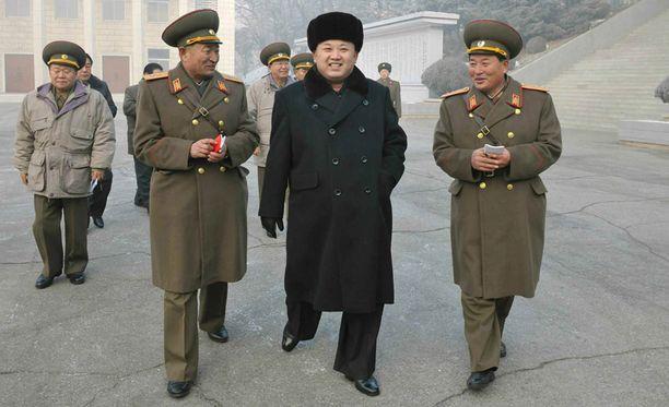 Pohjois-Koreassa Kim on usein muidenkin tyylillinen esikuva. Viime vuonna kerrottiin, että Kimin kampauksesta oli tarkoitus tehdä kaikkien miesten yleinen kampaus.
