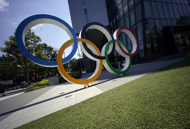 Tokion olympiakylässä noudatetaan tarkkoja turvallisuusohjeita.