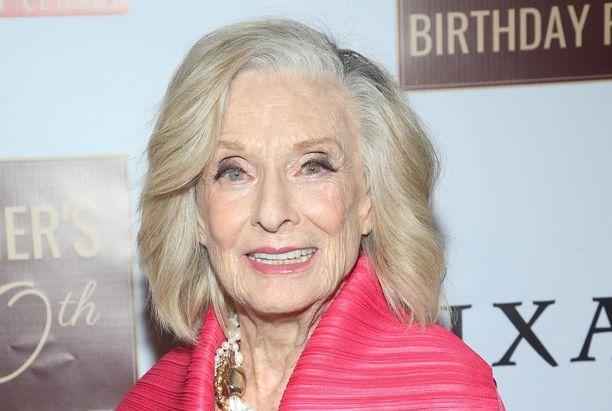 Cloris Leachman palkittiin monista töistään.