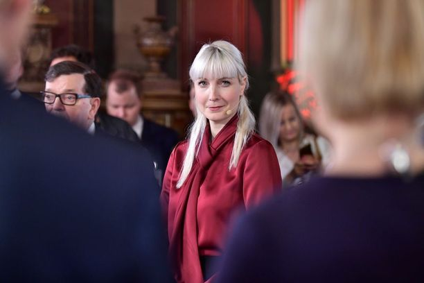 Laura Huhtasaari ei ollut pettynyt kolmanteen sijaan sen jälkeen, kun ennakkoäänten tulokset tulivat julki.