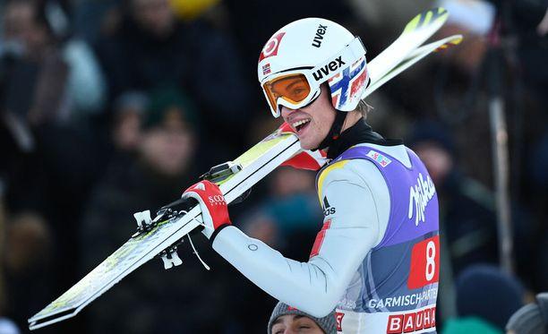 Daniel Andre Tande juhli Garmischin mäkimontussa.