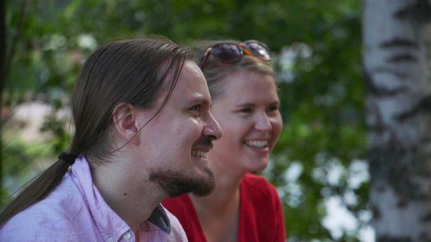 Olli ja Katja katsovat sentään samaan suuntaan elämässään, vaikka ero taitaakin parina tulla.