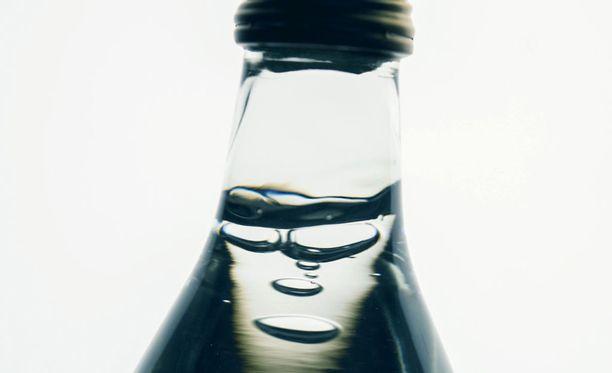 Sanomalehti Karjalaisen mukaan alkoholikuolemien määrä on kääntynyt Suomessa selvään laskuun.
