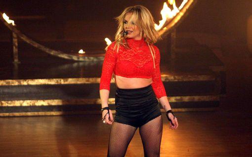 """Britney Spears avautui oikeudessa kahlitsevasta holhoussuhteestaan: """"Haluan elämäni takaisin"""""""