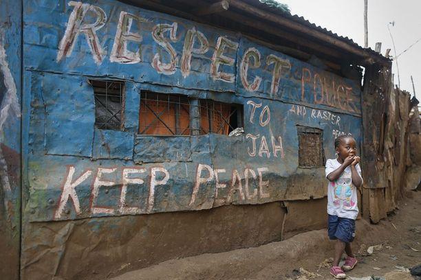 Vuonna 2007 seinämaalaus muistutti rauhanomaisuudesta.