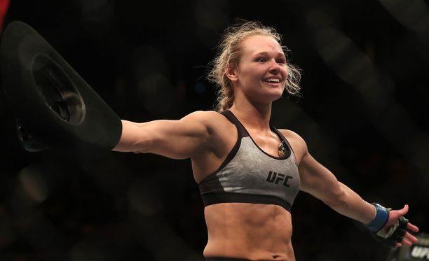UFC:ssä voitokkaasti aloittanut Andrea Lee vastasi somekohuun kovasanaisesti.