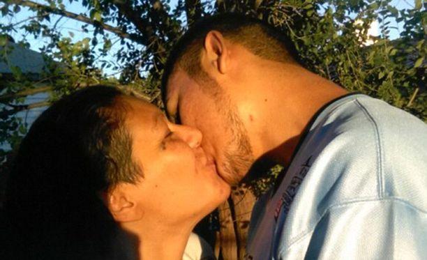 Pariskunta joutuu nyt olemaan erossa toisistaan ainakin 18 kuukautta.