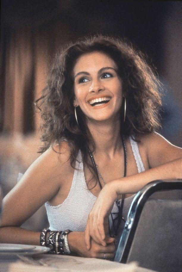 Julia hurmasi ihmiset hymyllään vuonna 1990 ilmestyneessä Pretty Woman -elokuvassa.