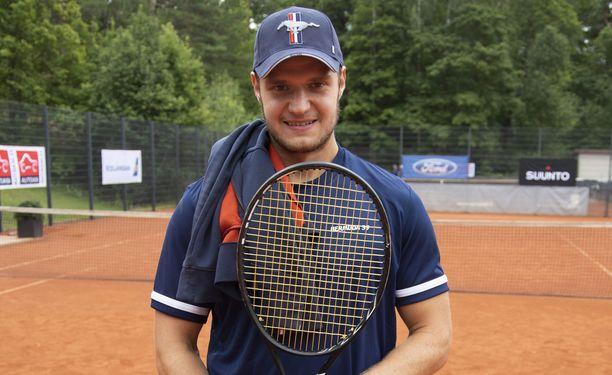Aleksander Barkov on pelannut nyt pari kautta 95–97 kilon painoisena. Luistin liikkuu paremmin.