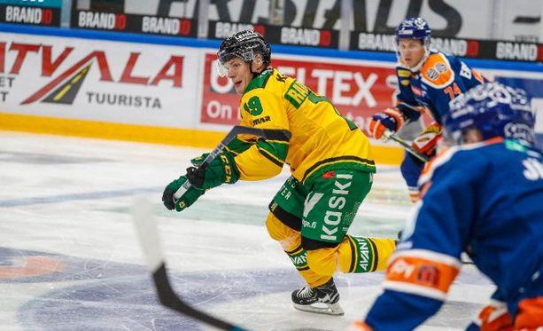 Ilveksen Teemu Rautiainen oli vireessä perjantain liiga-avauksessa.