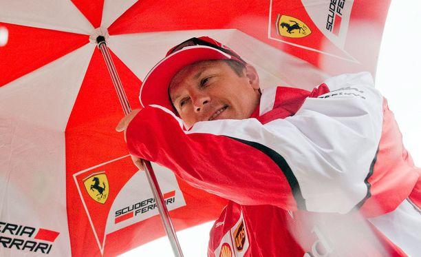 Kimi Räikkönen haluaa puristaa kisaviikonloput kahteen päivään.