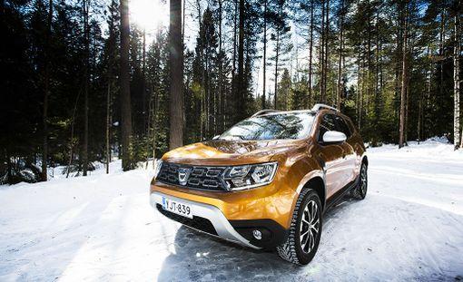 Uuden Dacia Dusterin ilmeessä on jopa tiettyä arvokkuutta. Tämä parhaan varustetason yksilö runsailla lisävarusteilla maksaa 24 005 euroa.