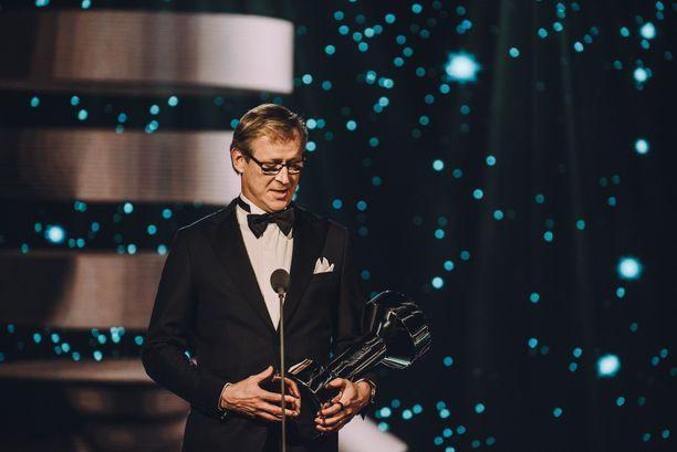 Huuhkajat voitti Vuoden joukkue -palkinnon toisen kerran peräkkäin. Palkinnon vastaanotti päävalmentaja Markku Kanerva.