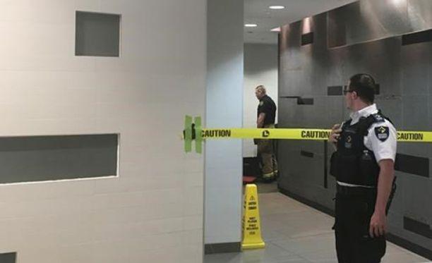 Poliisi uskoo, että mies oli ryöminyt seinän taakse yläpuolella kulkevan ilmastointikanavan kautta.