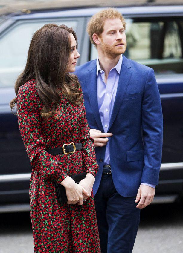 Kate Middleton takanaan toinen Vanity Fairin listaukseen päässyt henkilö, prinssi Harry.