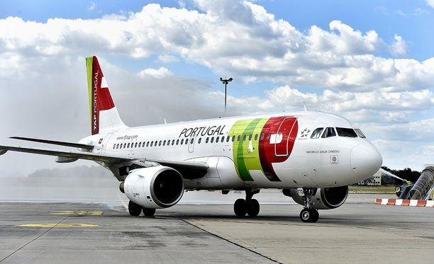 TAP:n lento ja matkustajat jäivät jumiin Stuttgartiin. Arkistokuva.