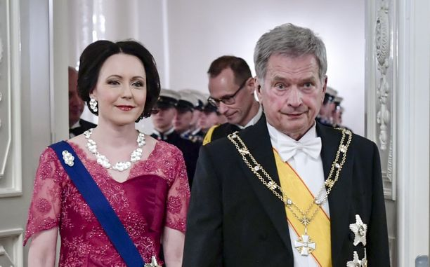 Presidenttipari vuoden 2019 Linnan juhlissa.
