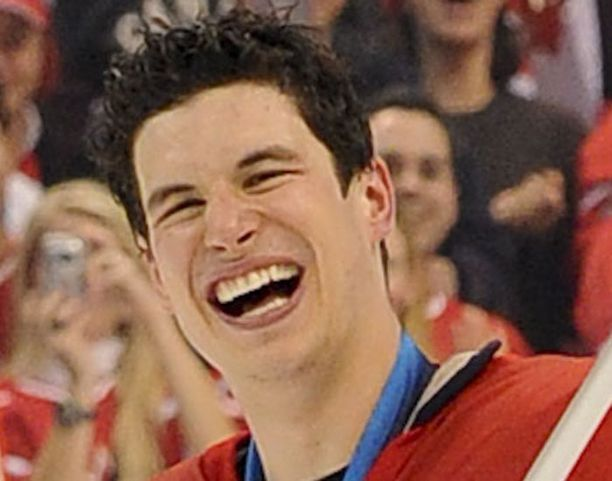 Sidney Crosbyn pelivehkeet museoitiin, nyt meni kiekkokin.