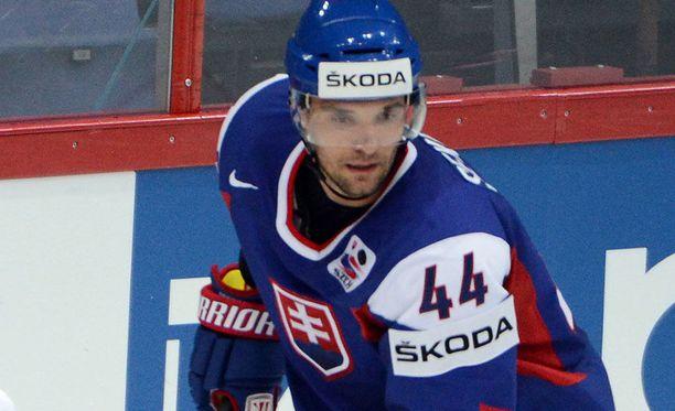 Andrej Sekera laukoi Slovakian toisen maalin ylivoimalla.