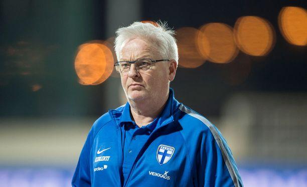 Hans Backe käänsi katseen keskiviikon Islanti-otteluun.