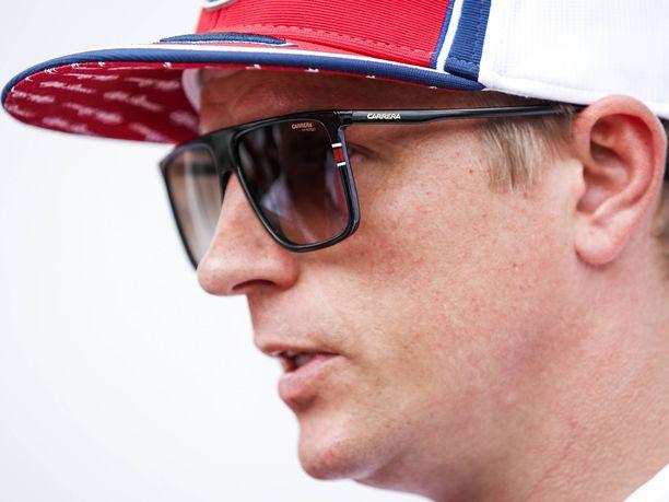 Kimi Räikköselle ei jäänyt Lewis Hamiltonia kohtaan mitään hampaankoloon Itävallan GP:n aika-ajoissa sattuneesta tilanteesta.