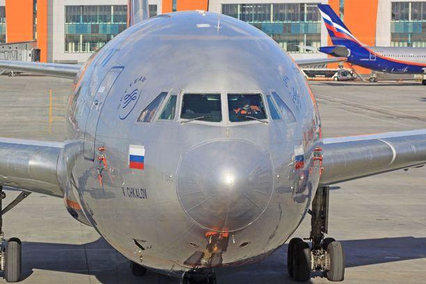 Suomalaisten mielestä Aeroflotin lentojen henkilökunta oli pätevää ja asiallista. Kentällä saatu kohtelu sen sijaan kummastutti.
