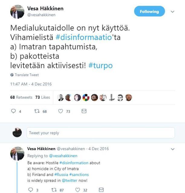 Ulkoministeriön ajankohtaisviestinnän yksikön päällikkö Vesa Häkkinen leikkasi välittömästi huhuilta siivet Imatran ampumistapauksen yhteydessä.