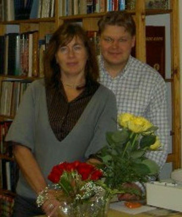 Eeva ja Tomi tapasivat internetin deittipalstan kautta 11 vuotta sitten.