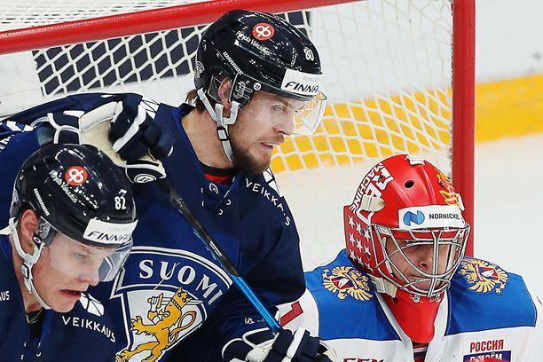 Harri Pesosen (vas.) ja Teemu Turusen ilmeet eivät sitä kerro, mutta he olivat Moskovassa Leijonien parhaimmistoa.