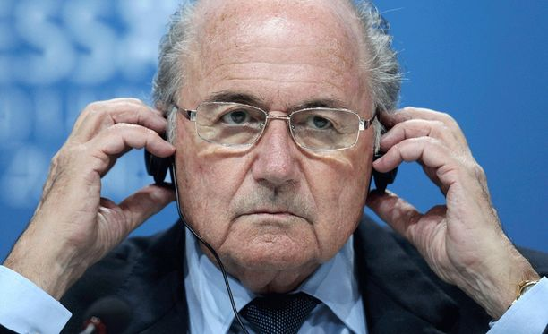 Sepp Blatterin asema on uhattuna.