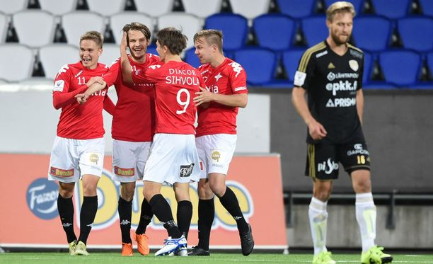 Joni Korhosen osuma varmisti HIFK:lle sarjapaikan.