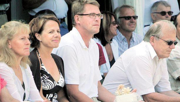 Pääministeri Matti Vanhanen toi naisystävänsä Susan Kurosen julkisuuteen Laukaan kotiseutujuhlilla viime lauantaina.
