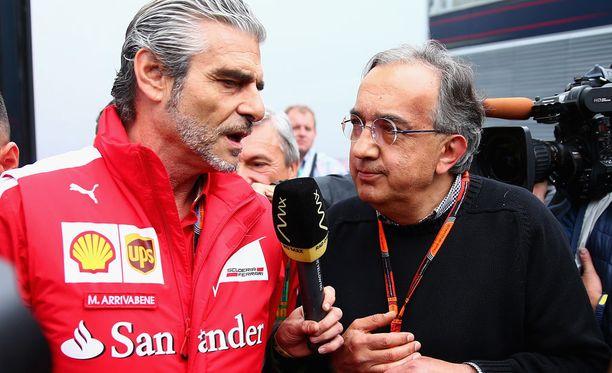 Nyt niitä voittoja, Rauta-Mauri! Sergio Marchionne (oikealla) on kärsimätön pääjohtaja.