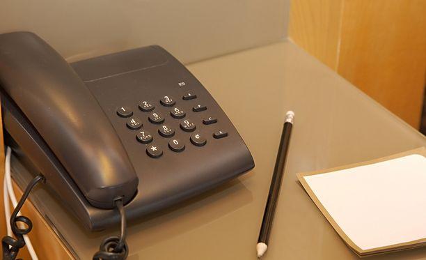 Poliisi painottaa, etteivät viranomaiset koskaan kysele pankkitunnuksia puhelimitse.