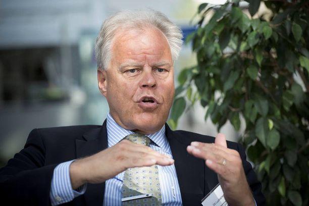 OAJ:n puheenjohtajan Olli Luukkaisen mukaan oppilaat ajoivat oppilailleen raivonneen opettajan tieten tahtoen nurkkaan.