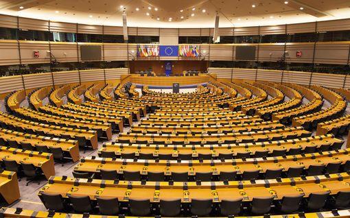 Historiallinen koronakokous europarlamentissa - äänestivät etänä