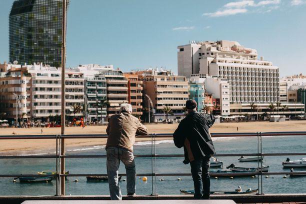 Halvat lomalennot laskeutuvat usein Las Palmasiin.