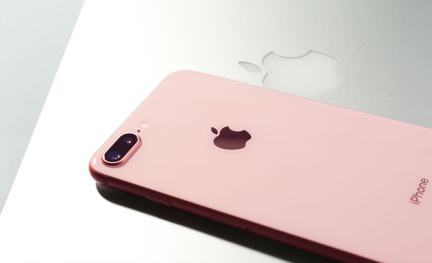 Apple jäi kiinni puhelimiensa hidastamisesta.