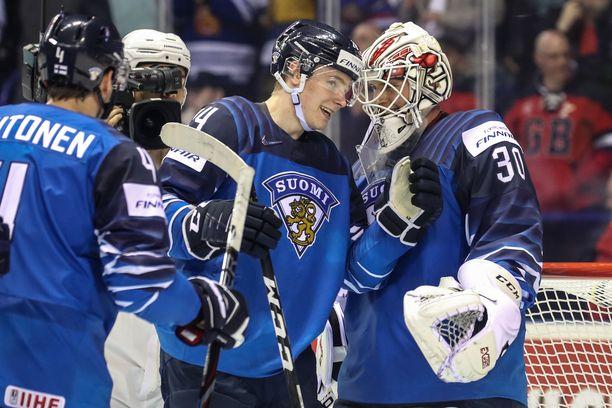 Kaapo Kakko ja Kevin Lankinen olivat Kanada-avauksen suuria suomalaisonnistujia.