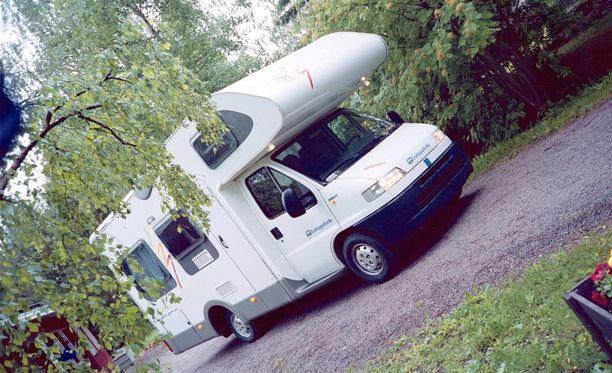 Zach Stovall kokee matkailuautojen kuuluvan suomalaiseen kulttuuriin. Arkistokuva.