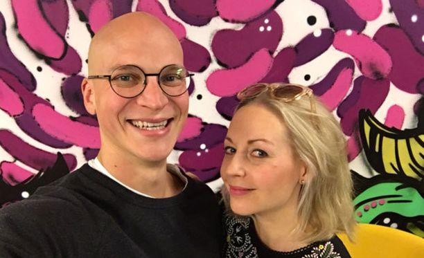 Riku Nieminen ja Krisse Salminen etsivät Suomen hauskinta tavista.