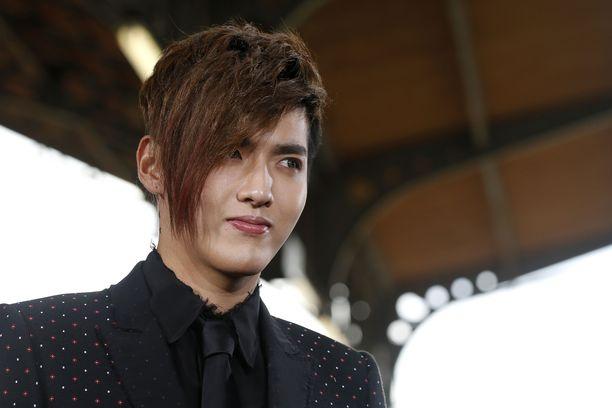 Näyttelijä ja laulaja Kris Wu kuvattuna vuonna 2016.